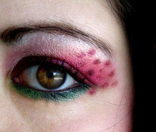Восточный макияж, великолепный восточный макияж зелено-розовыми тенями