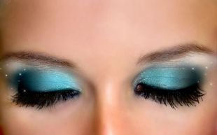 Восточный макияж для голубых глаз, восхититеьный макияж на выпускной голубыми тенями