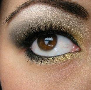 Восточный макияж для карих глаз, спокойный макияж для нависшего века