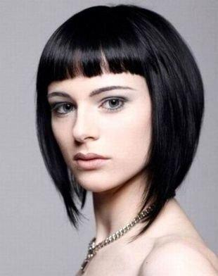 Темный цвет волос на средние волосы, а-боб с короткой ровной челкой