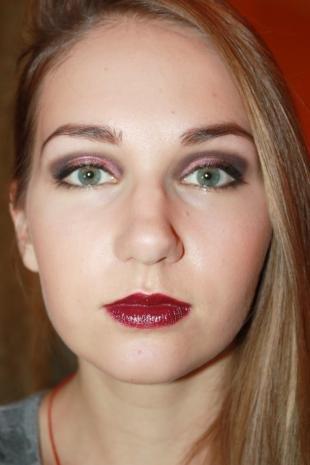 Макияж для блондинок с красной помадой, модный макияж для вечеринки
