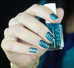 Маникюр на очень коротких ногтях, оригинальный синий маникюр на короткие ногти