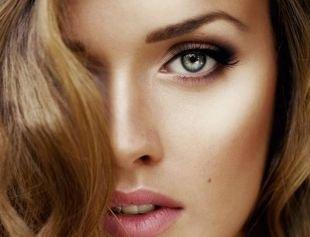 Дневной макияж для серых глаз, макияж для нависшего века в коричневых тонах