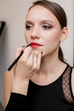 Макияж для увеличения глаз, деловой макияж для шатенок