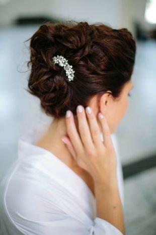 Свадебные прически, элегантная свадебная прическа на длинные волосы