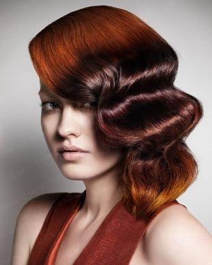 Темно медный цвет волос на средние волосы, ультрамодное двутональное окрашивание волос