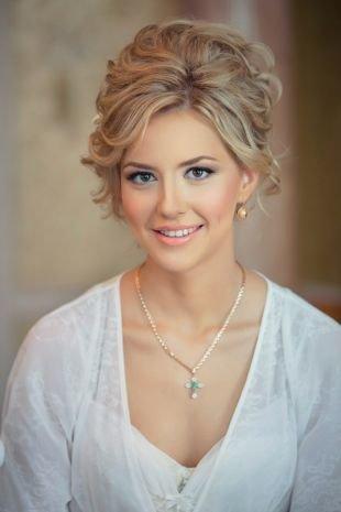 Свадебный макияж в персиковых тонах, свадебный макияж для зеленых глаз и светлых волос