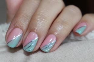 Маникюр на средние ногти, маникюр с помощью ленты для ногтей