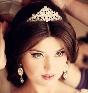 Свадебный макияж для круглого лица, свадебный макияж для зеленоглазых брюнеток