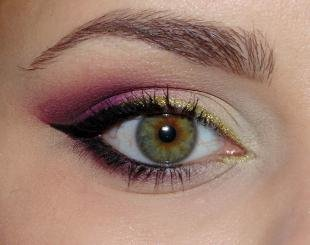 Арабский макияж, новогодний макияж для зеленых глаз