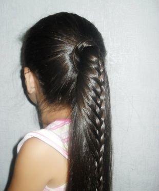 Быстрые прически на длинные волосы, прическа в школу - конский хвост с плетением