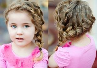 Праздничные детские прически на длинные волосы, детская прическа для вьющихся волос