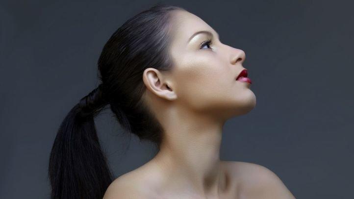 Классический хвост - прически на длинные волосы