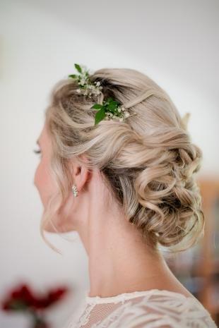 Цвет волос песочный блондин, греческая прическа для невесты