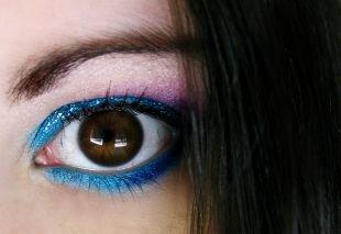 Вечерний макияж для нависшего века, восхитительный макияж для карих глаз голубыми тенями