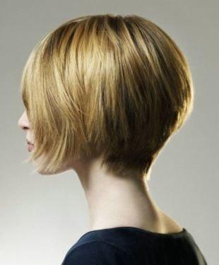 Быстрые причёски в школу на короткие волосы, прическа асимметричный боб