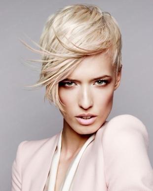 """Платиновый цвет волос на короткие волосы, цвет волос """"жемчужный блонд"""""""