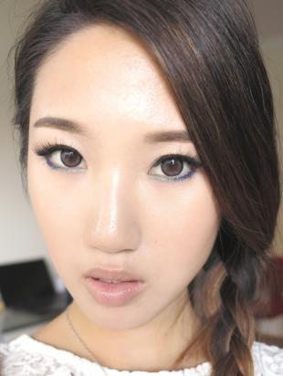 Корейский макияж, макияж для широко поставленных азиатских глаз