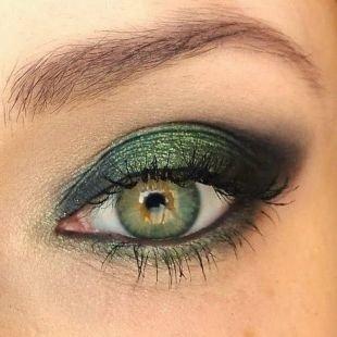 Макияж для брюнеток с зелеными глазами, макияж для зеленых глаз