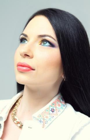 Макияж на день рождения, цветной макияж глаз