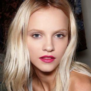 Макияж для блондинок с голубыми глазами, летний макияж в пастельных тонах