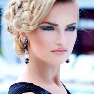 Свадебный макияж для круглого лица, макияж голубых глаз с зеленой подводкой