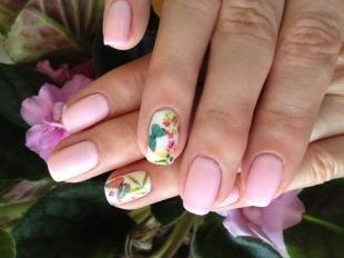 Маникюр с бабочками, пастельный маникюр с бабочками