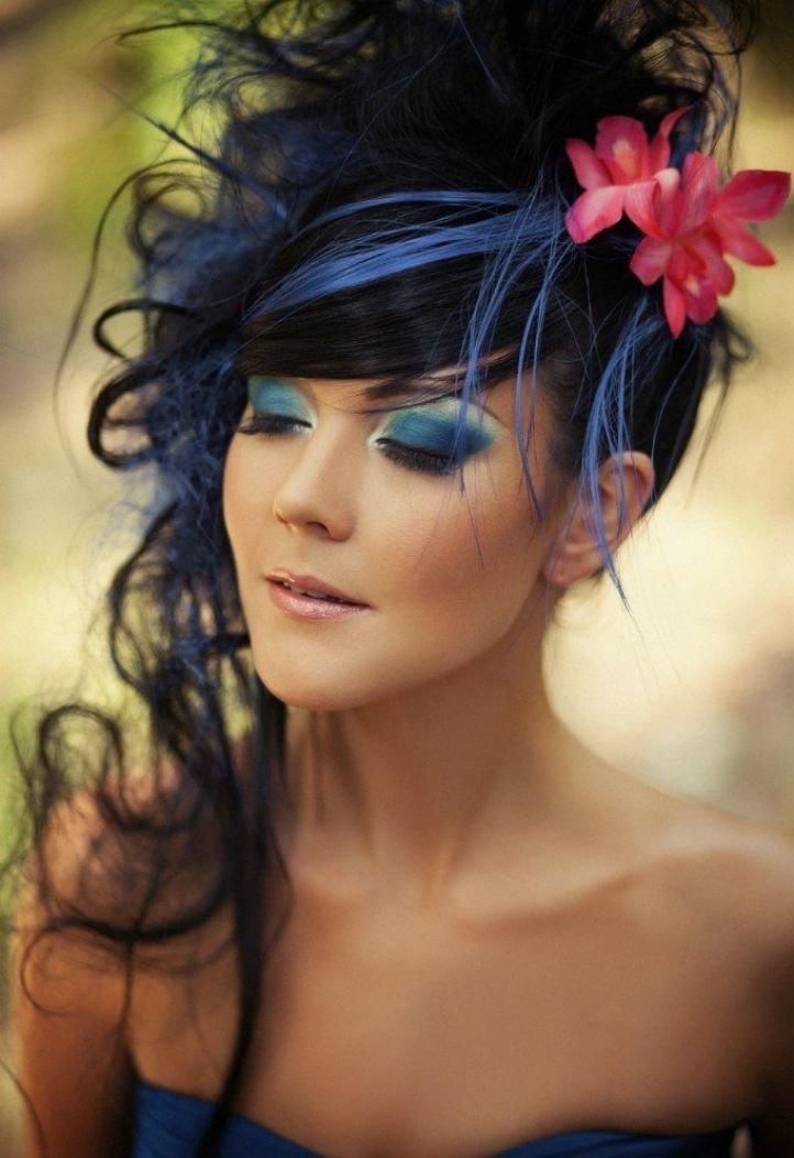 Свадебная прическа на длинные волосы в авангардном стиле
