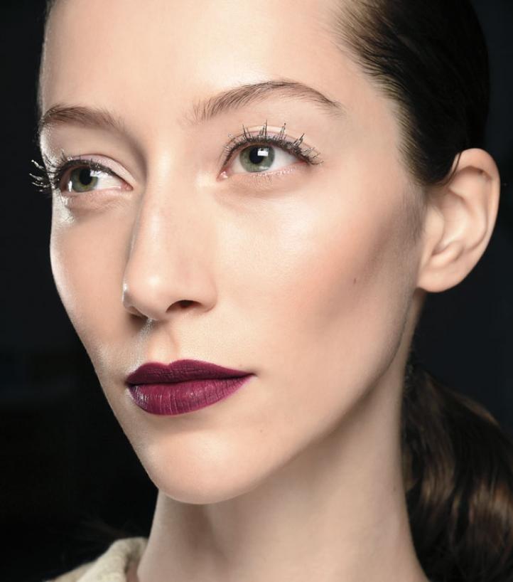 Фото макияж для брюнеток с серыми глазами